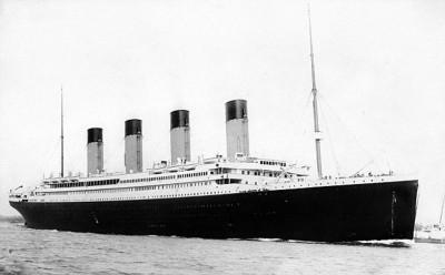 RMS Titanic 1912 port Southampton bay
